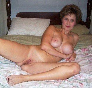 Notgeile Oma sucht aufregende Sexbeziehung