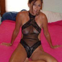 Dauergeile Hausfrau sucht nach einer Sexaffäre