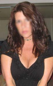 Diskrete Hausfrau ist auf der Suche nach Fickkontakten