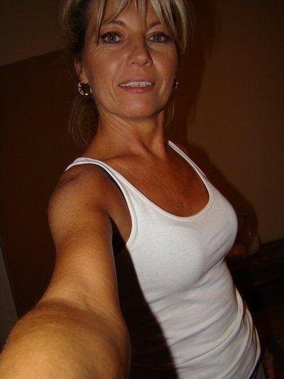 Hausfrau sucht schnellen Sex und will heute noch ficken