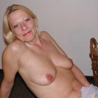 Reife Frau hat Interesse an einer Sexbeziehung im Raum Dresden