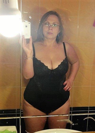 Mollige reife Frau sucht Sex Kontakte in Saarbrücken