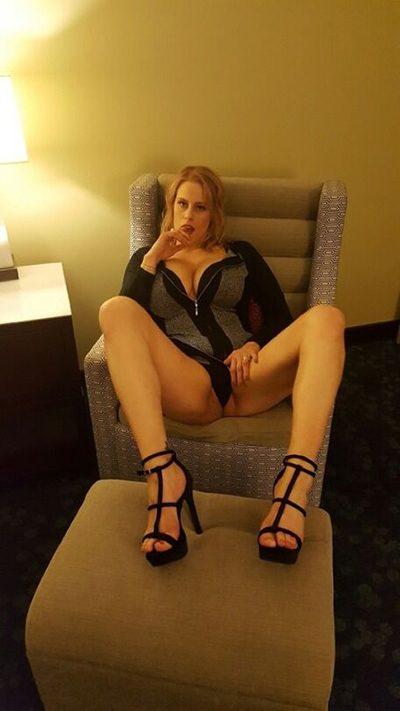 Sexsuechtige Frau sucht Fickkontakte