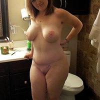 Einsame Hausfrau wünscht sich Sexaffäre