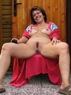 Mollige reife Frau will ein Sexdate mit dir