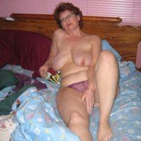 Lüsterne Oma sucht Sex in Neumünster