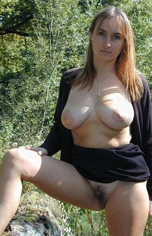 MILF sucht Mann für Outdoor Sex in Ingolstadt