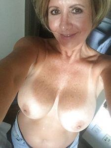 Vornehme, ältere Lady wünscht sich gepflegte Sexaffäre