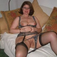 Geile Hausfrau aus Weimar sucht heute noch Sex!