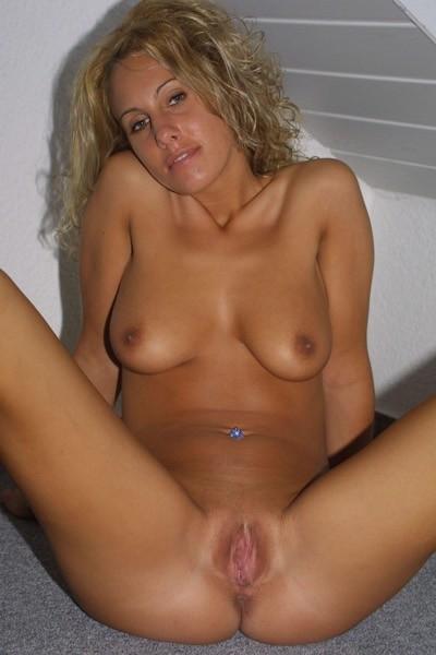 Hot blonde lesbians