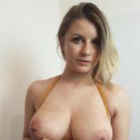Natürliches Girl aus Cottbus sucht ein spontanes Sex Date